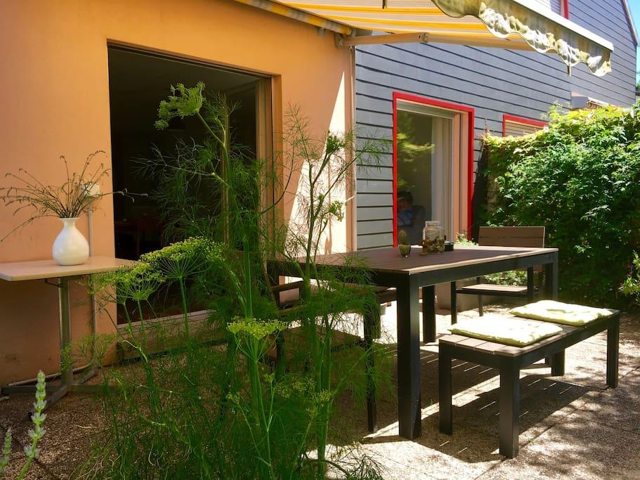 Villa avec jardin proche du centre d 39 yverdon maisons for Chambre a louer yverdon