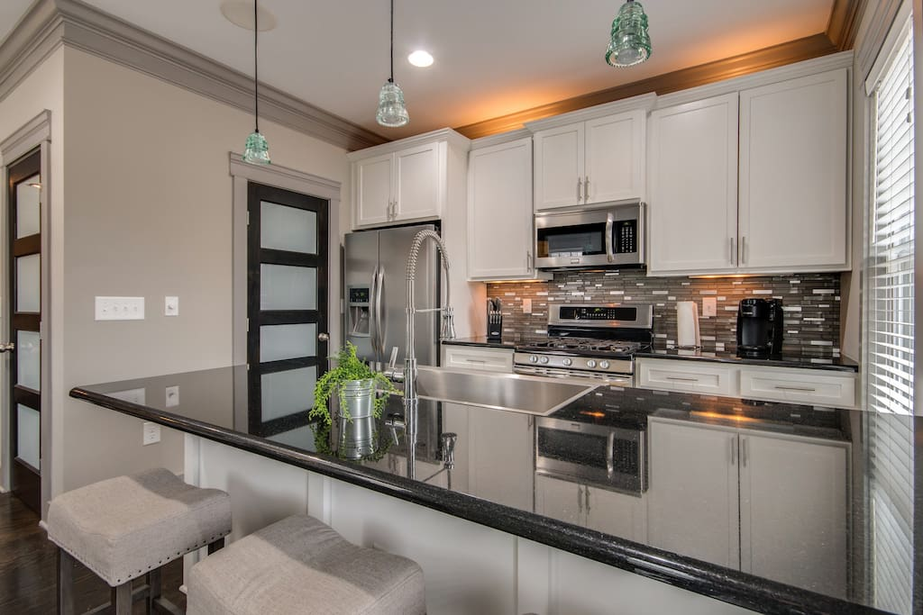 Beautiful gourmet kitchen with new stainless steel appliances!