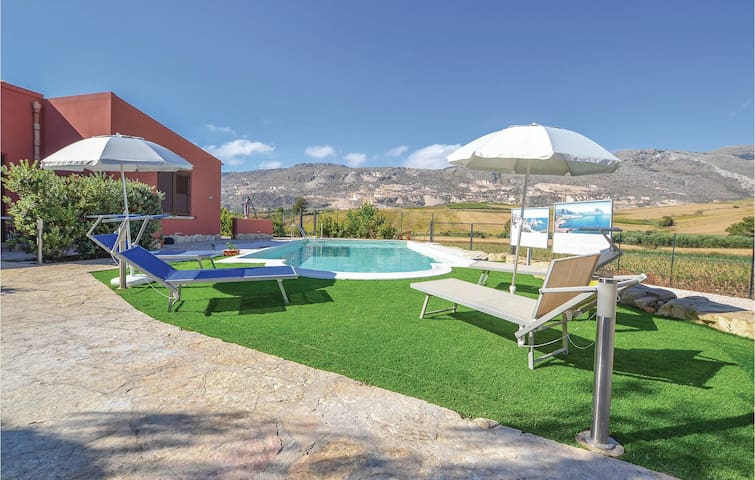 Semi-Detached with 2 bedrooms on 50m² in Buseto P. (TP)