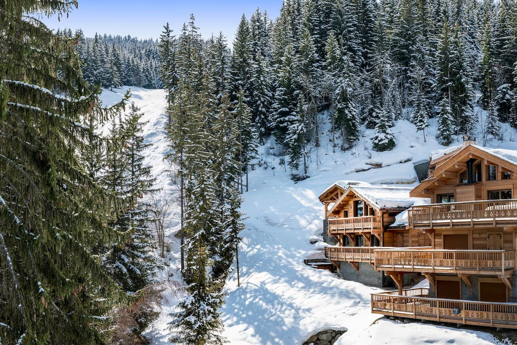 Very close to the ski slopes of La Tania, part of the Courchevel Valley