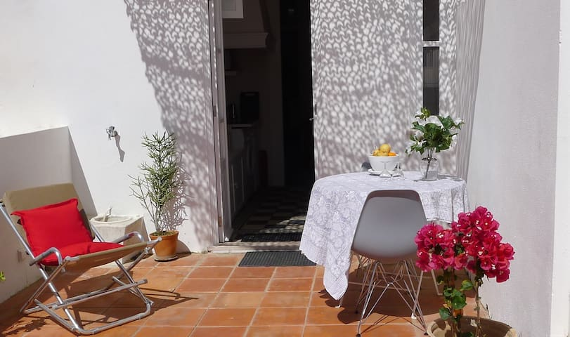 Beautiful apartment + terrace in historical center