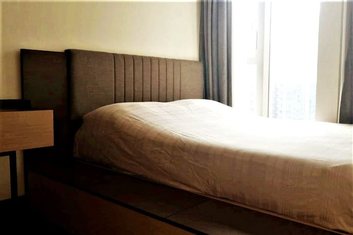 Large Cozy Bedroom Near HKUST, TKO MTR & Kwun Tong