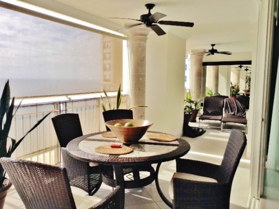 Balcony with Dining