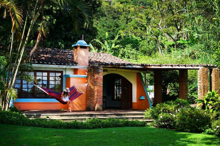 Armonia Homes Lakefront Property - San Marcos La Laguna - Casa