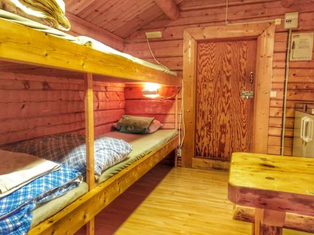 4  bed   stuga   12m2