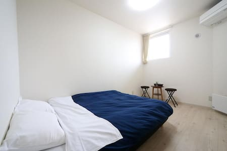 Double room for LCC users (with bathroom)
