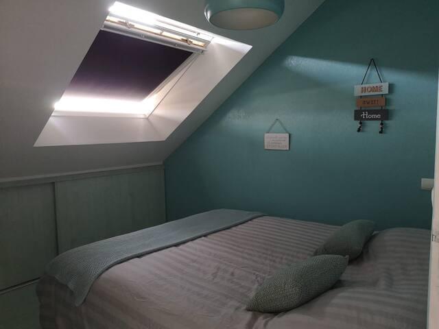 Chambre 2 avec un lit de 160x200 cm