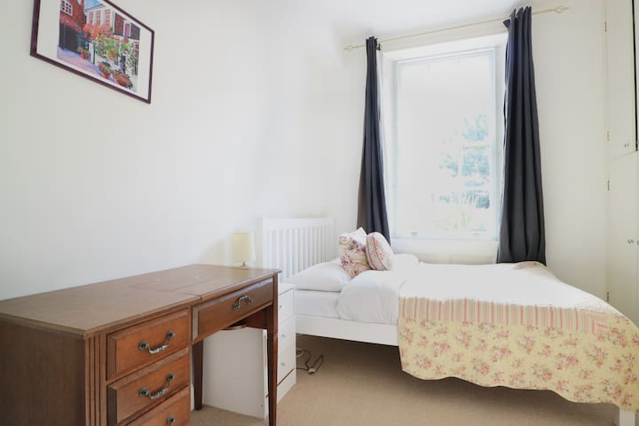 Bright Double Room at Kensington/Notting Hill Gate