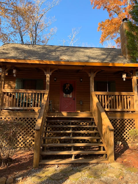 Nurture yourself with nature at our cozy cabin!