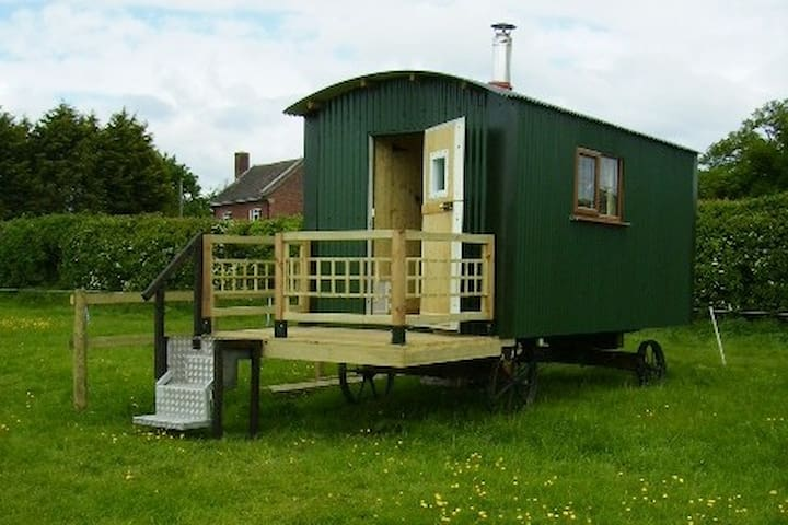 Shepherd Hut peaceful fun,romantic