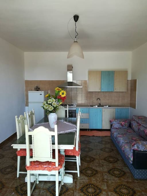 Appartamento camillo appartamenti in affitto a for Quanto costerebbe una casa con 5 camere da letto