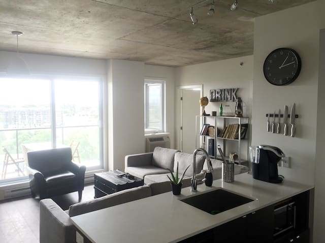 14th floor luxury downtown apartment - Montréal - Apartment