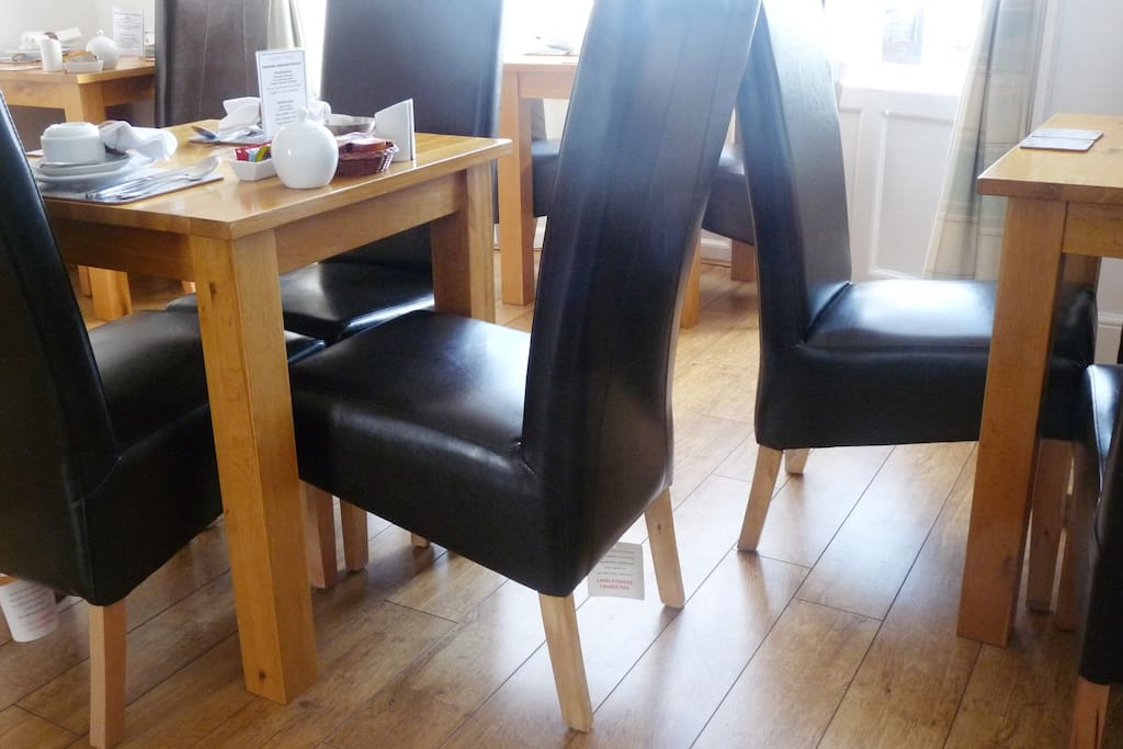 Dining room - leather chairs