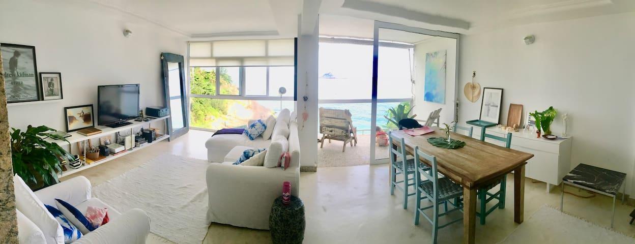 Ocean View Beach house in Rio de Janeiro
