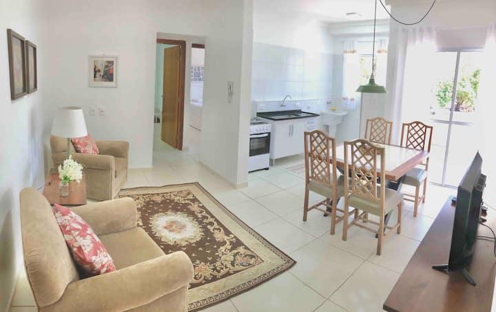 NOVO c/ varanda, 2 quartos, sala e cozinha (ap.13)