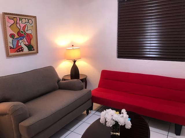 Studio in central Miami!