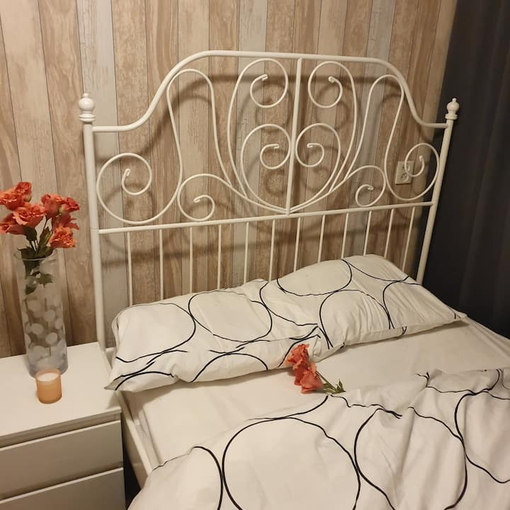 Cosy Room Available in Amsterdam South East