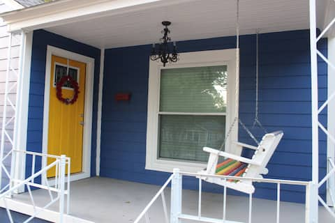 Newly Remodeled Bungalow in the heart of Cowtown