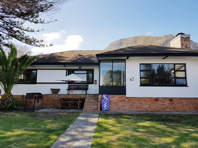 Norfolkden Beachhouse, close to Hermanus beaches!
