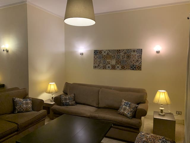 Modern 1 Br apartment with private garden - AUC