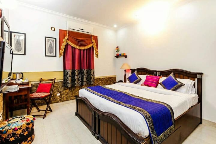 Furnished 2 bedrooms in New Delhi - Neu-Delhi
