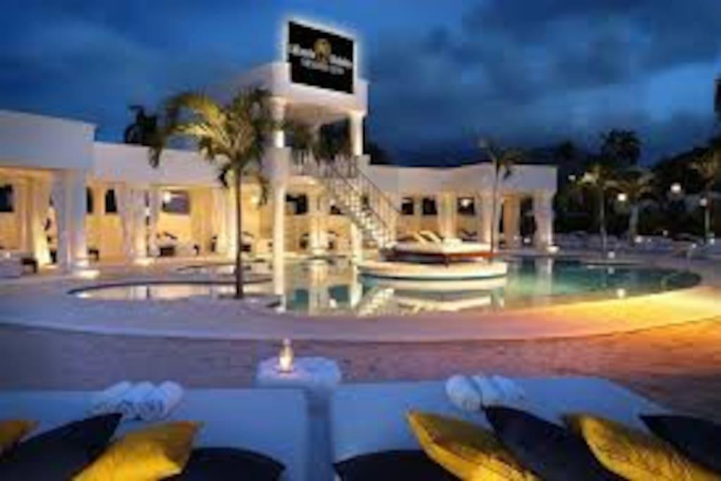 VIP Pool