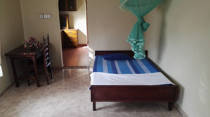 Bright and spacious double room - Wadduwa - Appartement