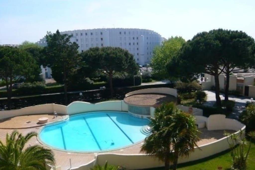 Joli studio avec piscine 200 m tres de la mer for Camping la grande motte avec piscine