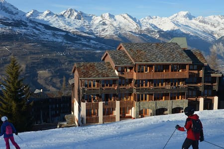 Renovated apart 6/8 pers Les Coches ski-in ski-out