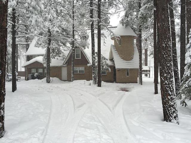 Amazing 6 Bedroom Cabin in Pinetop!
