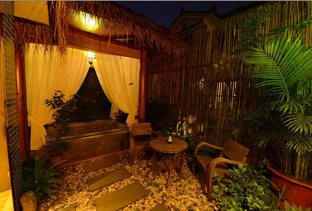 套房的露天泡池,观星赏月,浪漫就是这么简单