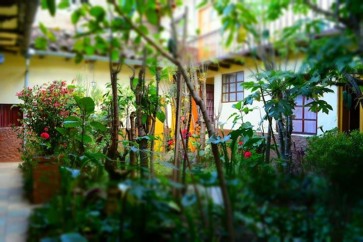 VILLA DEL ROSARIO ( CENTRO HISTORICO ) - Cuenca - Chambre d'hôtes