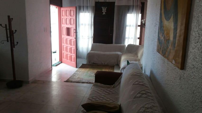 Casa ampla,ventilada   Bairro da Pituba Salvador