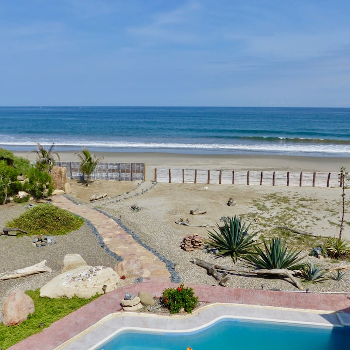 Casa Ñuro Beach Villa on Playa Ñuro, Peru
