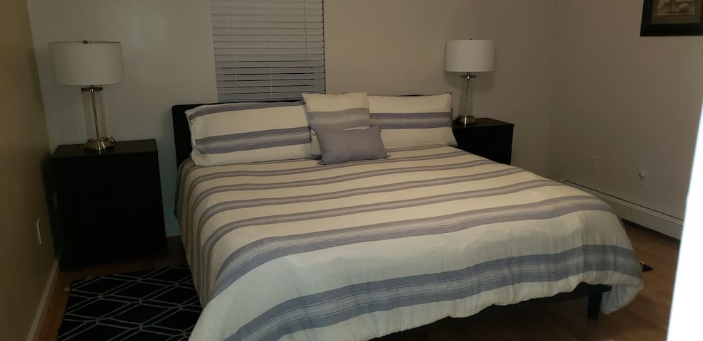 Private  Bedroom in Townhouse #1