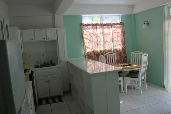 Apartment close to  Beach, Bars and Restaurants