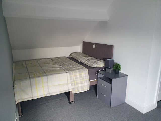 HMO all ensuite room to let asa6