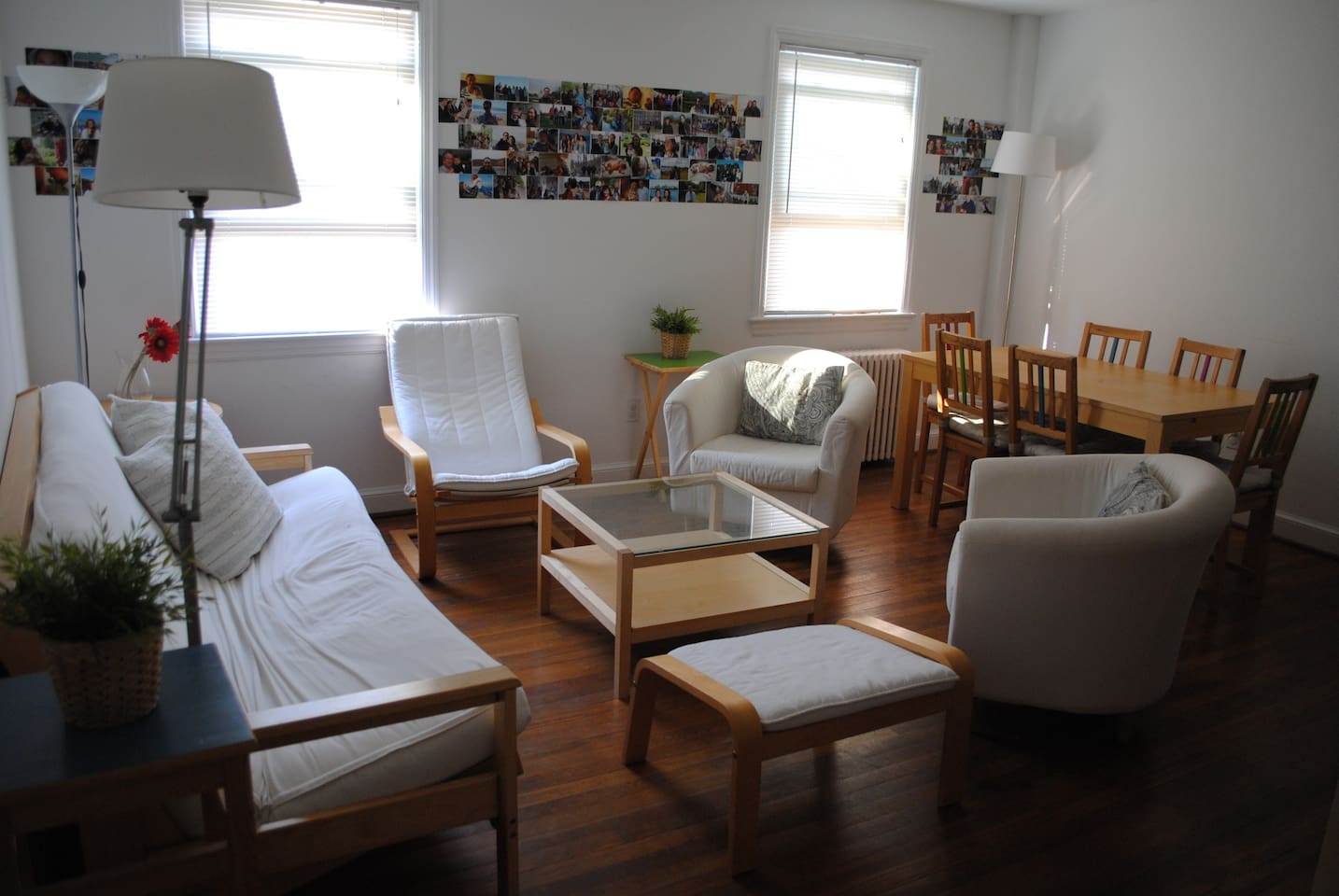 Living room and dining room. Futon-bed, extendable dining table.