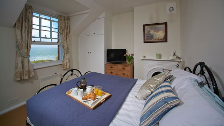 Stunning sea views at a charming character cottage