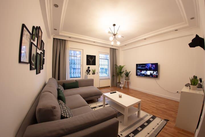 Modernly designed central flat w/ Wifi & Netflix