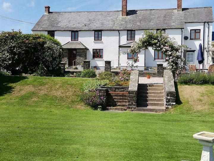 Middlefields Cottage great walks & Beachs near by