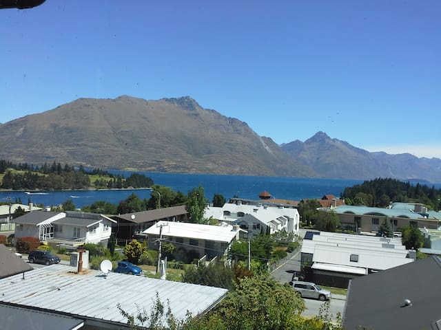 Queenstown Hill Apartment with views - Queenstown - Appartement