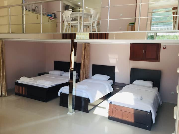 Hostel Emi