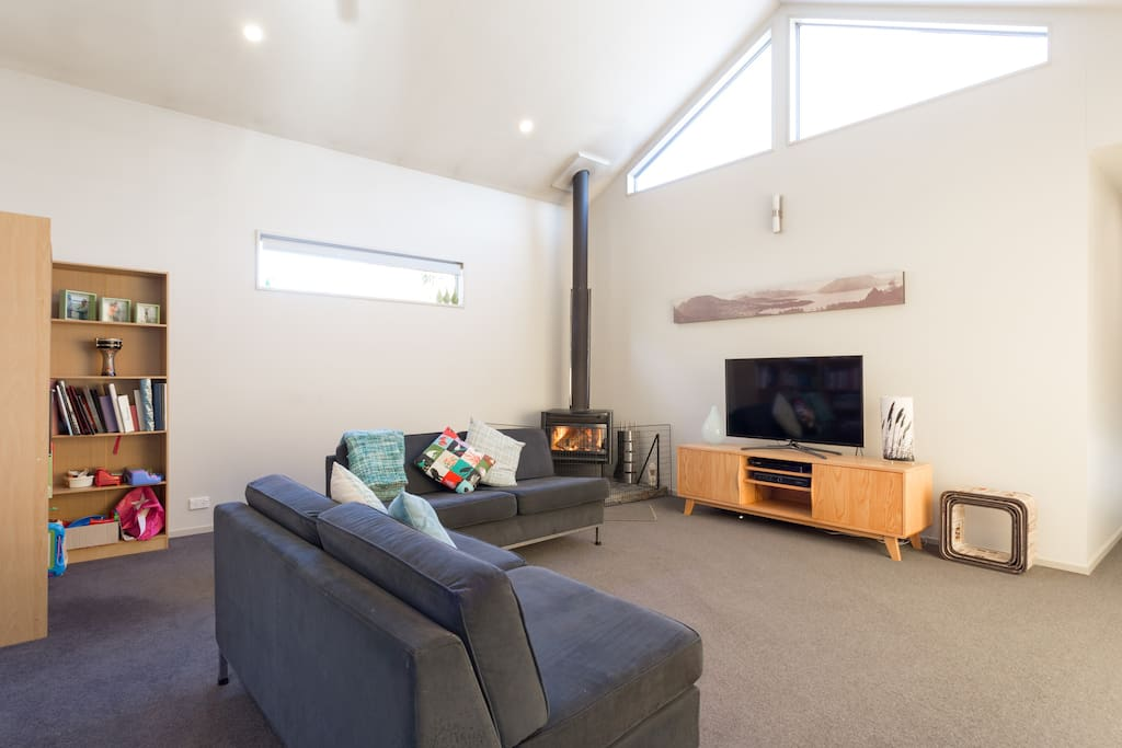 Comfortable, cosy and warm Arthurs Point retreat.