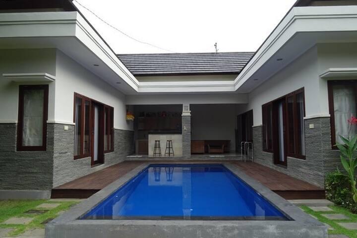 VR-2 Villa Mawar - Kuta - Casa