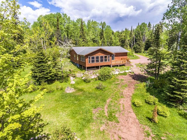 Cozy House in the Big Woods - CLEAN, 5 Acres