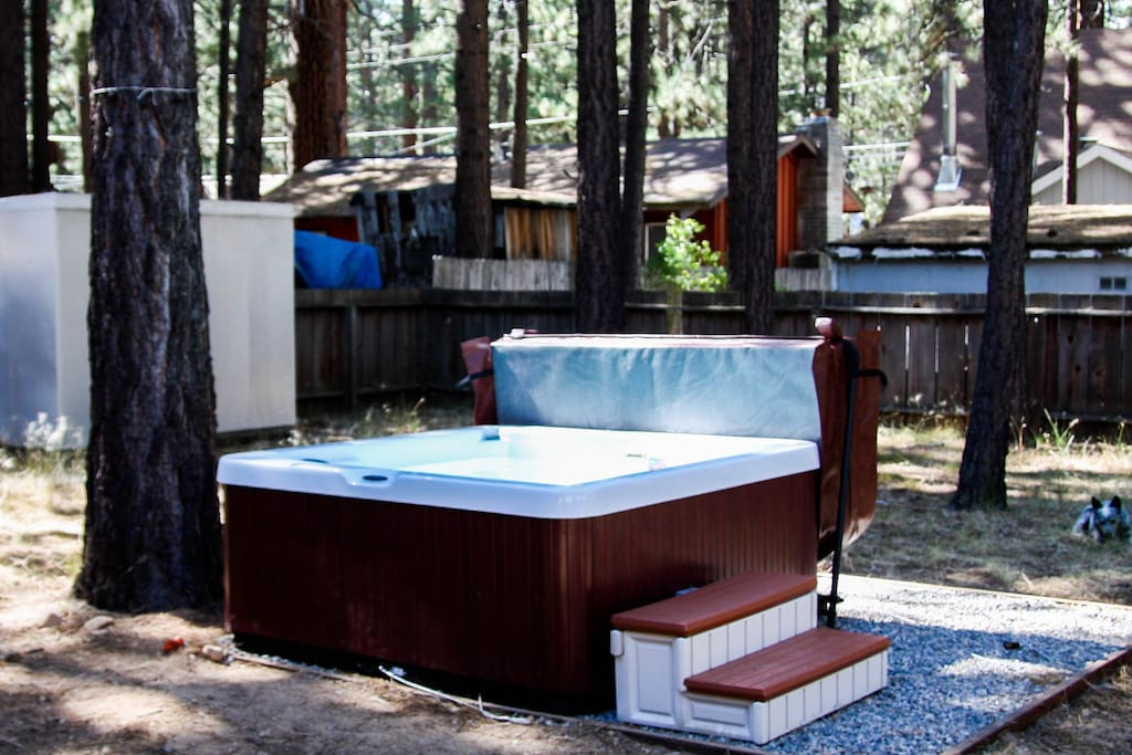 5 person hot tub with easy cover lift