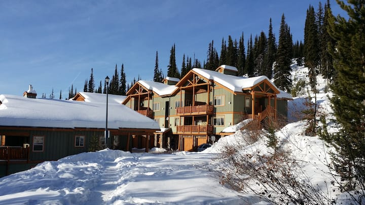 Wonderful getaway on Big White skiresort, sleeps 6
