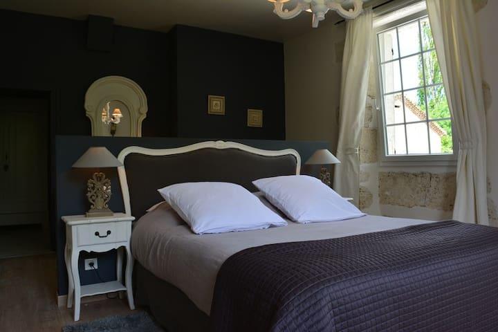 Moulin des Sens et SPA - Brassac - Bed & Breakfast