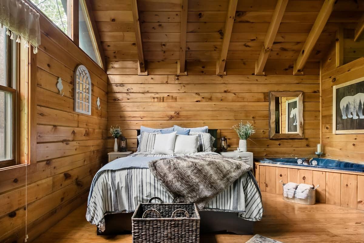Sweet Retreat Luxury Cabin in Mountain Shadows Resort
